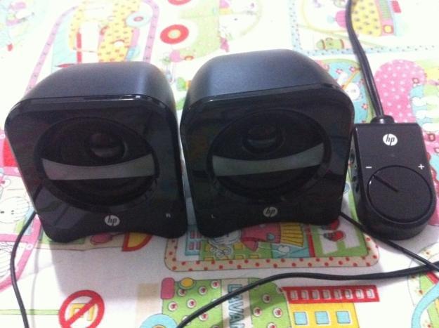 HP 2.1 Compact Speaker System E7bjbI