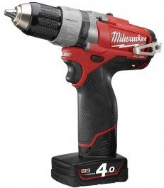 Milwaukee M12 CDD-402C (2x4,0Ah)