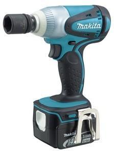Makita BTW250RFE (2x3,0Ah)