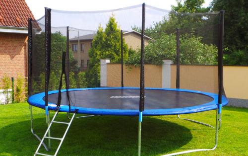 trampoline tilbud kost og ordentlig ern ring. Black Bedroom Furniture Sets. Home Design Ideas