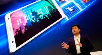 Nå har endelig også Sony-mobilene blitt kvitt de store skjermrammene