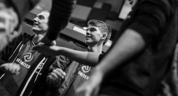 E-sport: –Vi skal vinne hele turneringa