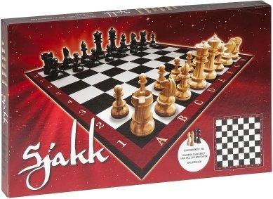 Sjakkspill med trebrikker