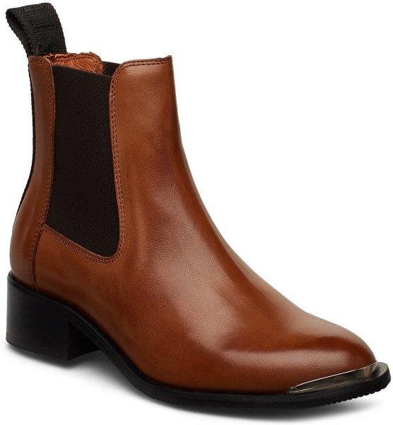 Shoe the Bear Ruby
