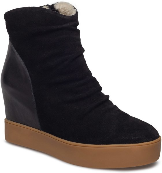 Shoe the Bear Trish Fur
