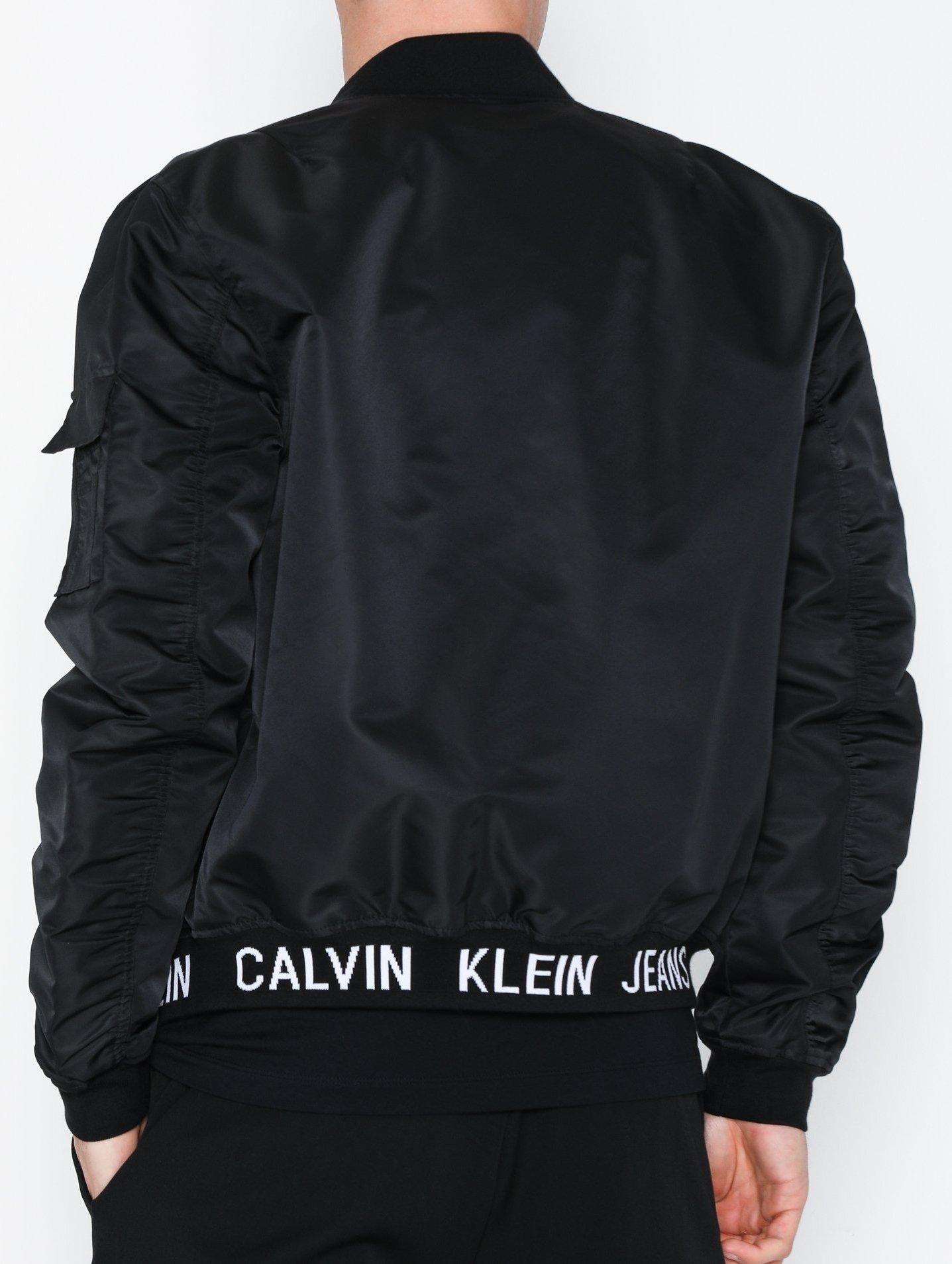 Best pris på Calvin Klein høstjakke og vårjakke Se priser
