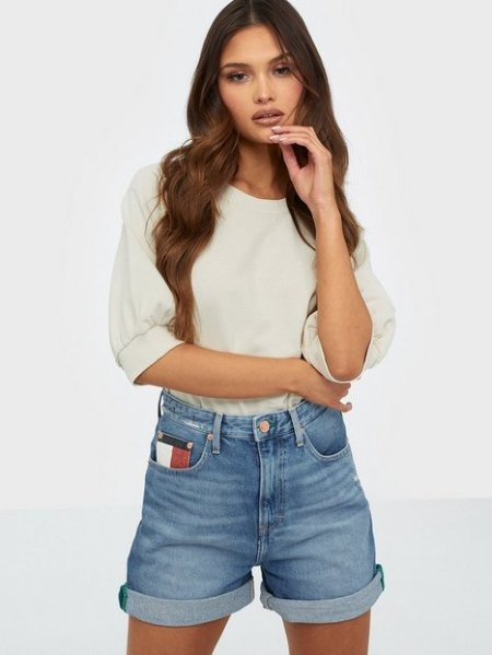 Tommy Jeans High Rise Mom Short