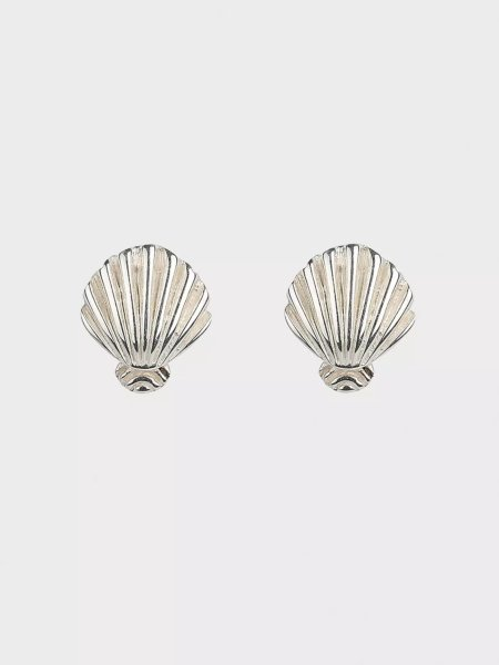 Syster P Beaches Shell Stud Earrings