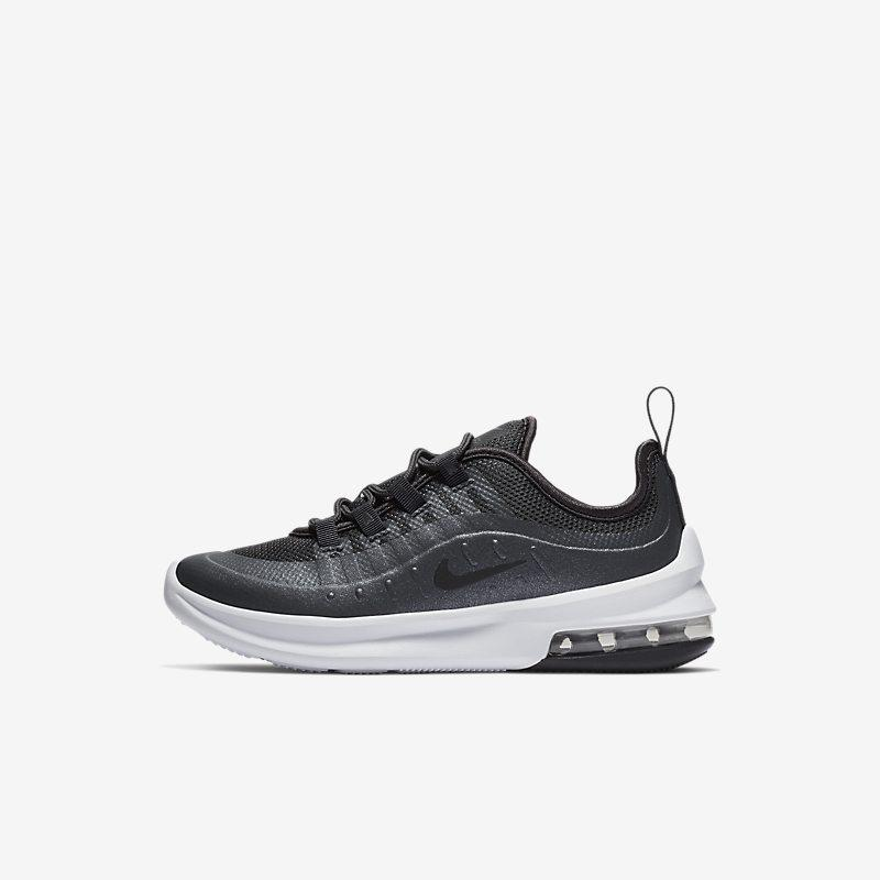Nike Air Max Axis SE sko til små barn - Black Unisex Kids > Shoes > Casualwear 32