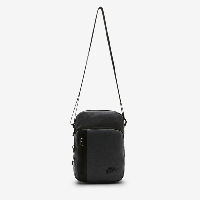 Nike Core Small Items 3.0-bag - Grey Unisex > Accessories > Accessories & Equipment ONE SIZE