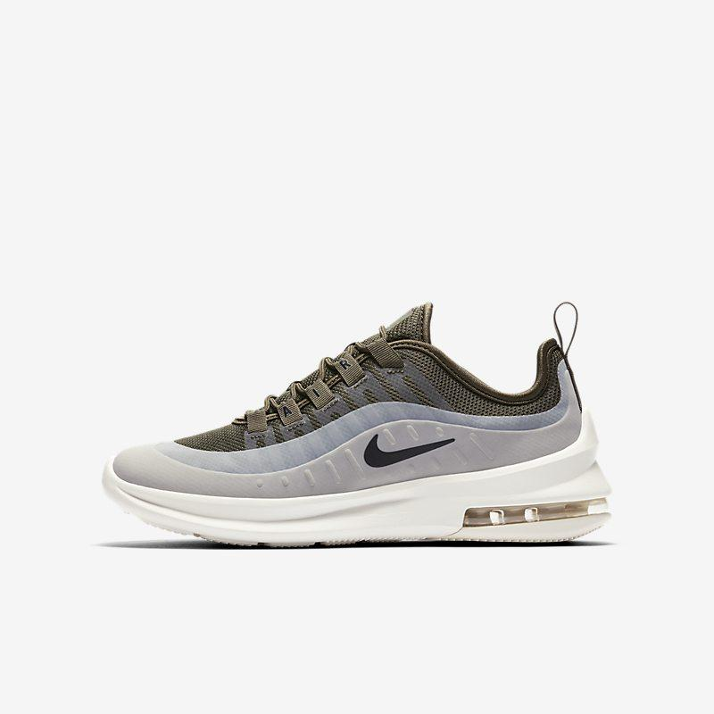 Nike Air Max Axis sko til store barn - Khaki Unisex Kids > Shoes > Casualwear 36