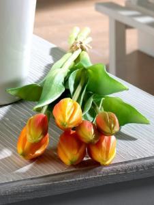 Globen Lighting Tulipaner Globen Lighting oransje