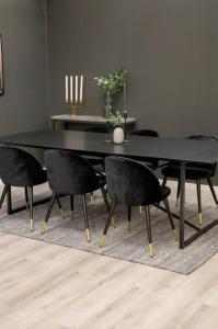 NORDFORM Spisegruppe Pinner bord og 6 stk Valletta stoler Unisex Svart/svart