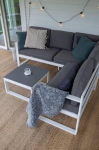 NORDFORM Hjørnesofa Salvador med bord Unisex Hvit / grå