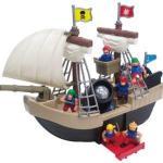 Redbox, Piratskepp